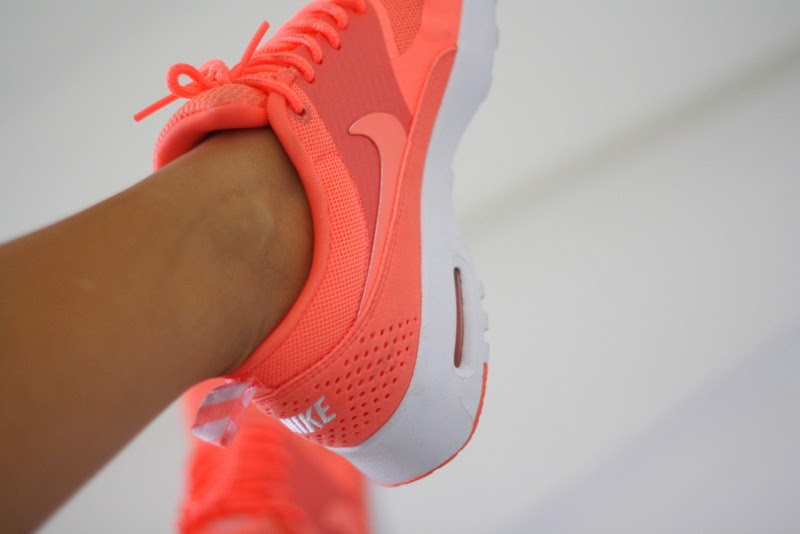 Nike Air Max Thea – Atomic Pink