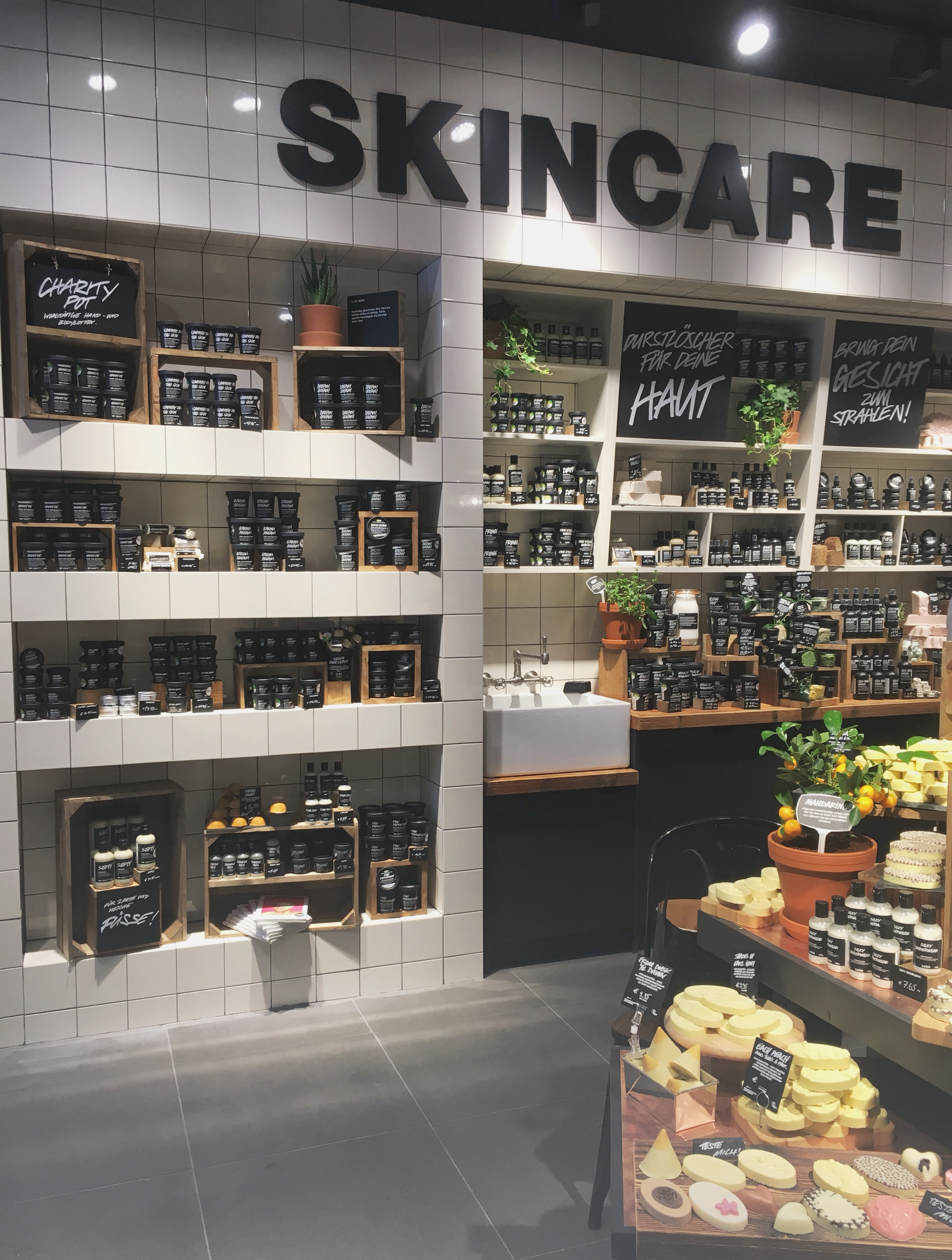 Neuer Lush Store eröffnet im MyZeil, Frankfurt am Main
